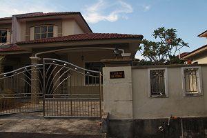 3-kluang-homestay-villa-300-x-200